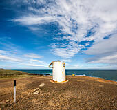 http://c1.alamy.com/thumbs/06636fa588d54c33b0faf759d985becc/new-zealand-slope-point-the-real-southern-most-point-on-mainland-new-ee58yb.jpg
