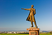 statue-of-dr-william-s-clark-with-famous