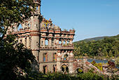 bannerman-castle-is-a-ruin-of-a-storage-
