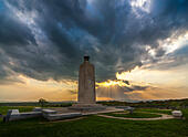 Gettysburg Eternal Light Peace Memorial on the Gettysburg Battlefield at sunset looking west. Gettysburg National Military Park. - Stock Image