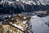 the-aiguille-du-midi-above-the-valley-of