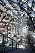 skywalk-to-union-station-toronto-ontario