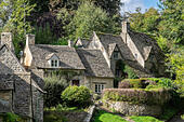 cottages-on-awkward-hill-arlington-row-b