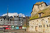 honfleur-in-normandy---france-cbw5t2.jpg