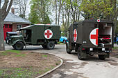 vintage-red-cross-trucks-at-the-5th-sund
