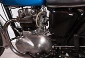 triumph-daytona-t100r-classic-motorcycle