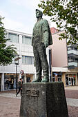 statue-dr-joep-national-monument-for-min