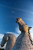 the-kelpies-sculpture-in-evening-light-falkirk-stirling-EXF4TN.jpg