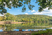 Lake Habeeb in Rocky Gap State Park near Cumberland Maryland. Totally quiet the day after Labor Day weekend. - Stock Image