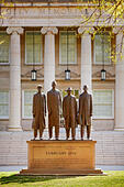 Sculpture on campus of North Carolina A&T State University honors the Greensboro Four who as freshmen staged - Stock Image