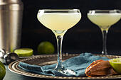 alcoholic-lime-and-gin-gimlet-with-a-gar