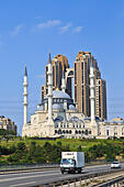 ottoman-styled-mosque-in-istanbul-turkey