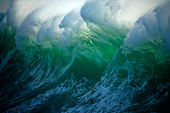 huge-wave-off-the-coast-of-vancouver-isl