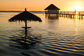 sunset-over-the-lagoon-in-french-polynes