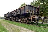vintage-railroad-with-old-coal-wagons-te