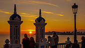 benidorm-sunset-with-people-in-the-foreg