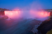 horseshoe-falls-along-the-niagara-river-