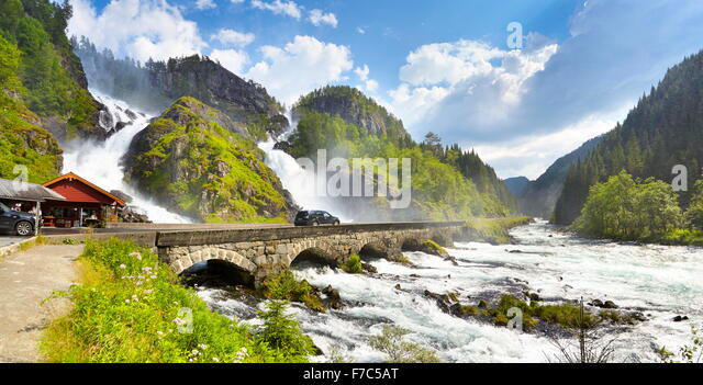 latefossen-waterfall-hordaland-norway-F7